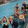 Ceir promove quadrilha aquática com pacientes de reabilitação físico-motora