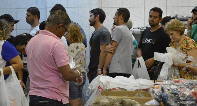 Ceir Piauí recebe mais de mil pessoas no primeiro dia de bazar solidário