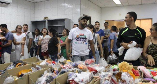 Teresinenses aproveitam Bazar Solidário para adiantar compras de Natal