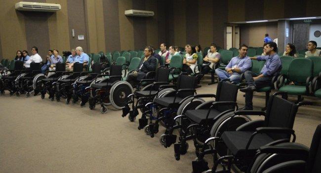 Igreja Mórmon realiza treinamento e doa 600 cadeiras de rodas ao Ceir