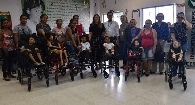 Ceir inicia entrega de 1000 cadeiras de rodas a crianças e adultos de 70 municípios do Piauí