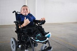Francinaldo Oliveira inaugurando sua cadeira motorizada (2)