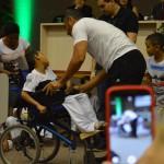 Apresentação de capoeira de pacientes com paralisia cerebral